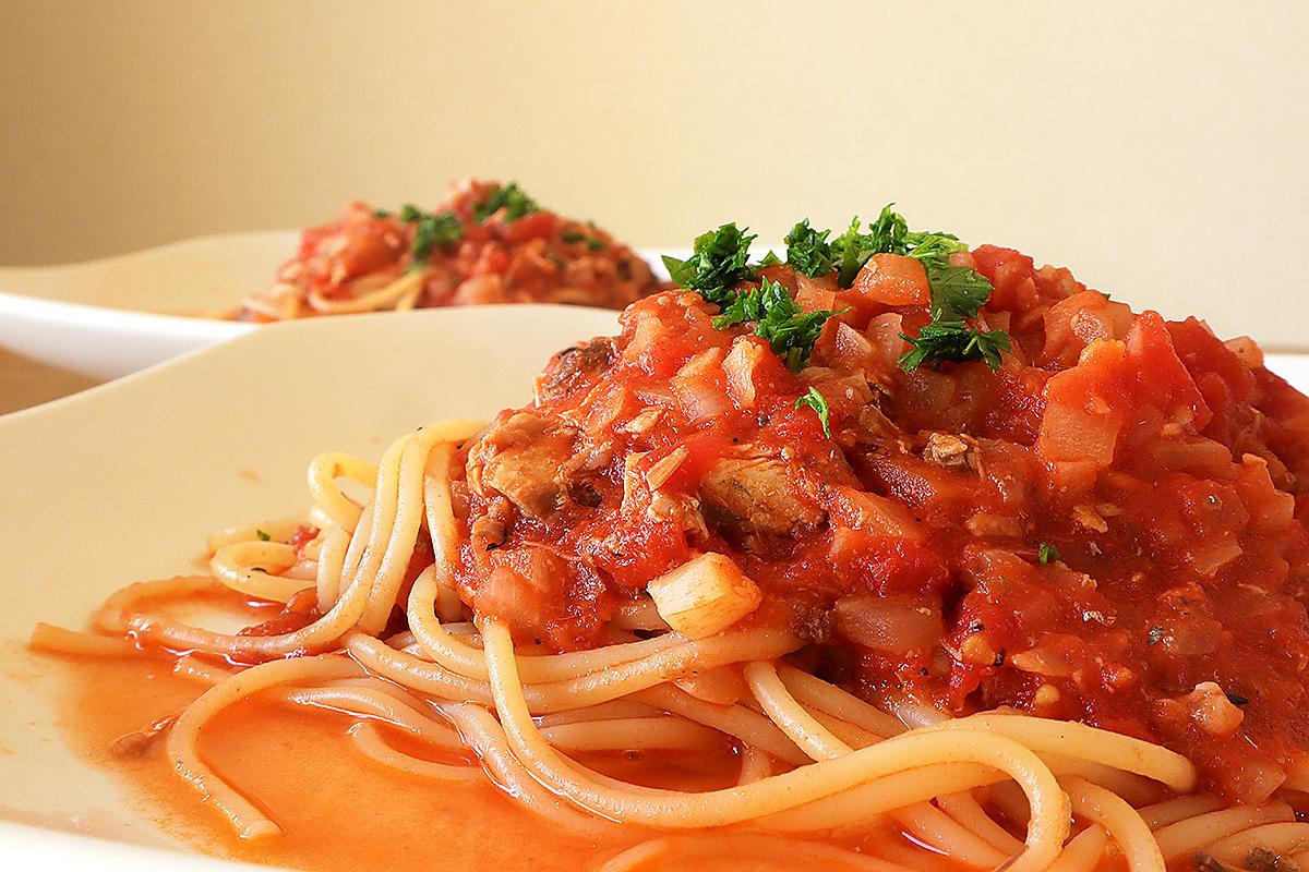 鯖缶のトマトソーススパゲッティ